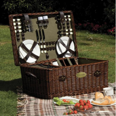 Lifestyle Family Sized Willow Picnic Hamper for Six