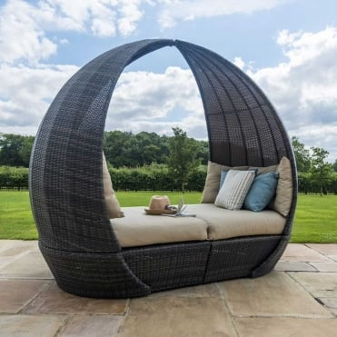 Maze Rattan Tulip Daybed