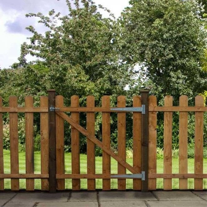 Click to view product details and reviews for Mercia Palisade Gate Round Top Dip Treated.