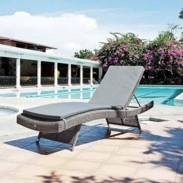Monte Carlo Adjustable Stacking Sun Bed