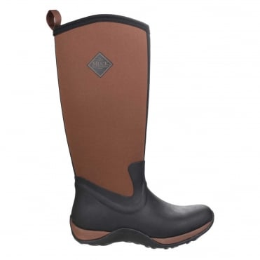 Arctic Adventure Boots in Black/Tan